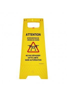 Chevalet de signalisation vierge (jaune) fourni avec 2 pochettes plexi  adhésives à personnaliser