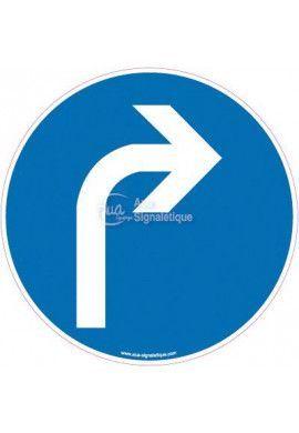 Panneau Obligation de tourner à droite