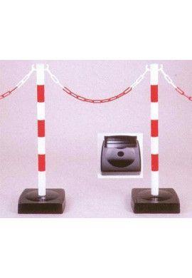 Poteau PVC sur socle à réserve de chaîne