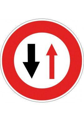 Panneau Céder le passage à la circulation... - B15