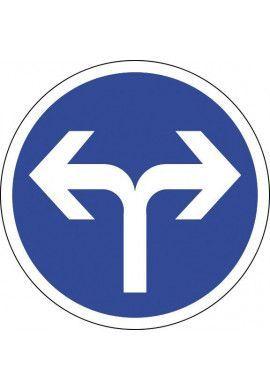 Panneau A droite ou à gauche - B21e