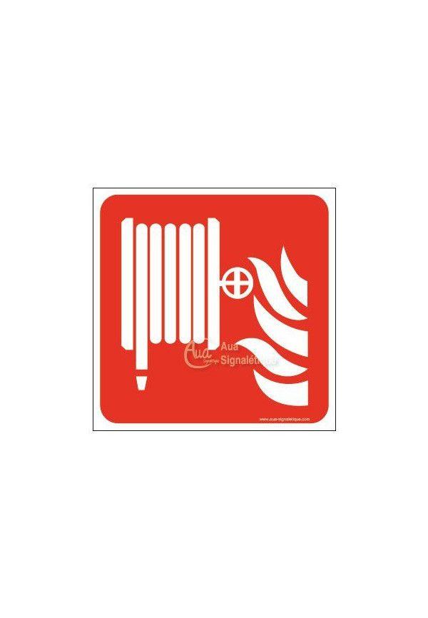 Robinet d'incendie armé F002 Carré