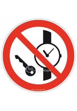 Objets métalliques ou montre interdits P008