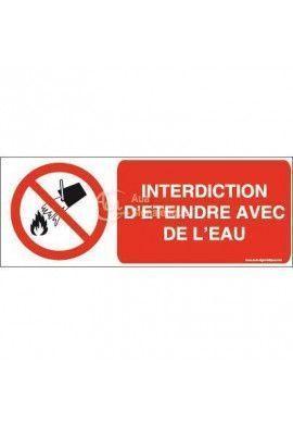 Interdiction d'éteindre avec de l'eau P011-B
