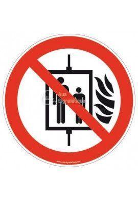 Interdiction d'utiliser l'ascenseur en cas d'incendie P020
