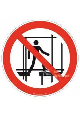 Ne pas utiliser un échafaudage incomplet P025