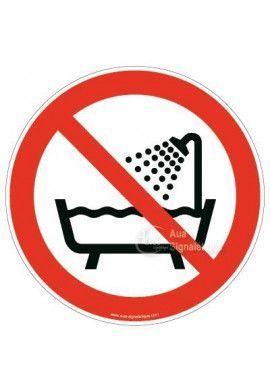Ne pas utiliser ce dispositif dans une baignoire, une douche ou un réservoir rempli d'eau P026