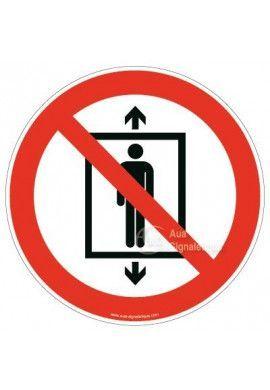 Ne pas utiliser cet ascenseur pour des personnes P027