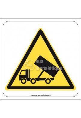 Panneau Déchargement de Camions